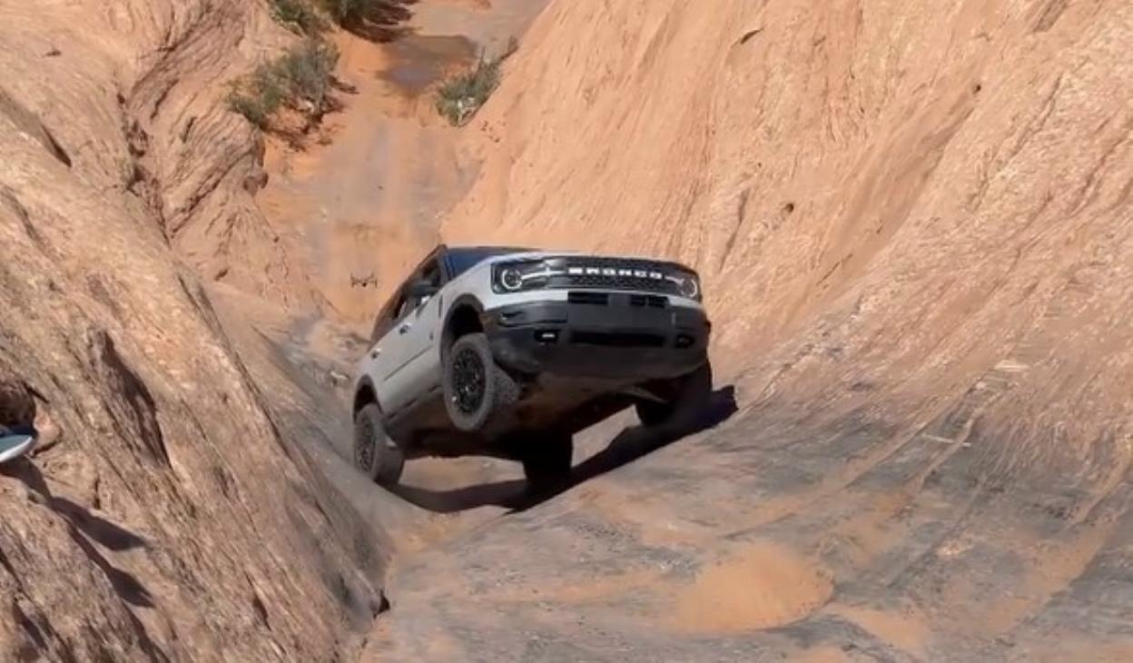 Il Ford Bronco conquista le gole dell'Hell's Gate [Video] - Autoblog